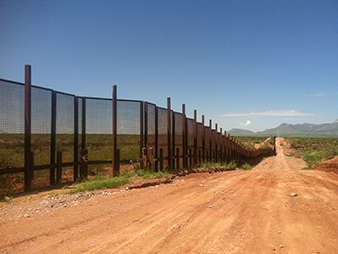 Border road fence