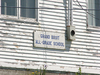Grand Bruit school sign