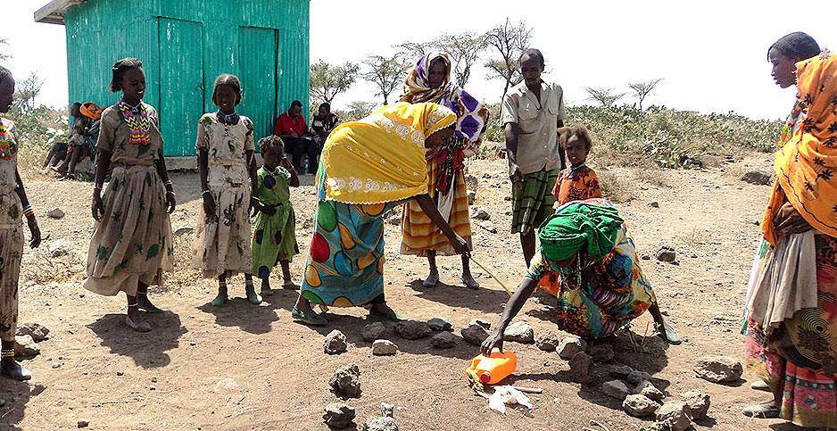 Pastoralist women in Ethiopia. Photo credit: Catholic Relief Services/Resilience through Enhanced Adaptation, Action-learning and Partnership Activity