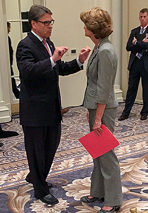 Rick Perry and Lisa Murkowski. Photo credit: @SecretaryPerry/Twitter