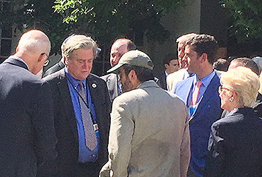 Joe Bast and Steve Bannon. Photo credit: Evan Lehmann/E&E News