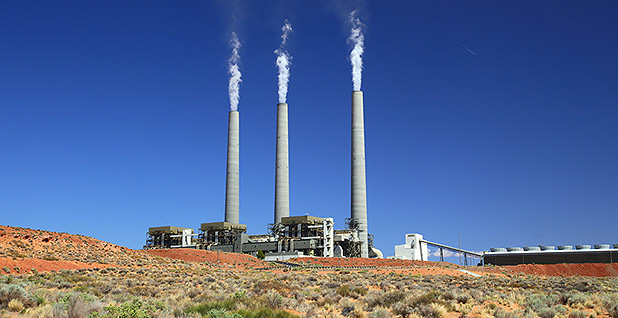 Navajo Generating Station. Photo credit: Bill Morrow/Flickr