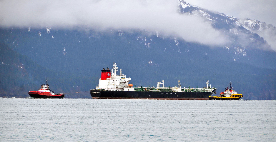 Oil tankers in Prince William Sound. Photo credit: Margaret Kriz Hobson/E&E News