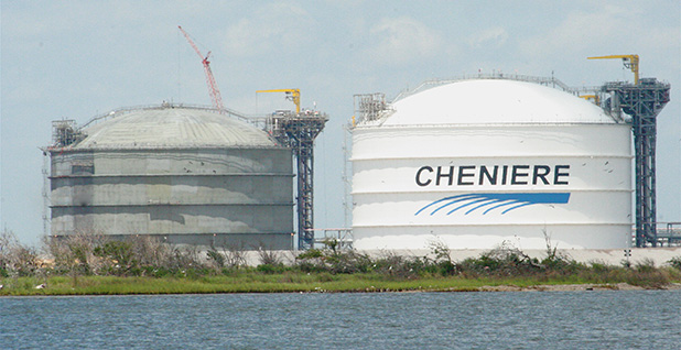 LNG storage tanks. Photo credit: Roy Luck/Flickr