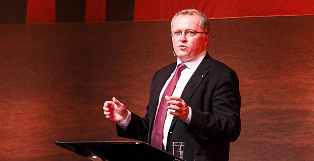 Statoil CEO Eldar Sætre speaking at a conference. Photo credit: Norsk olje og gass/Flickr