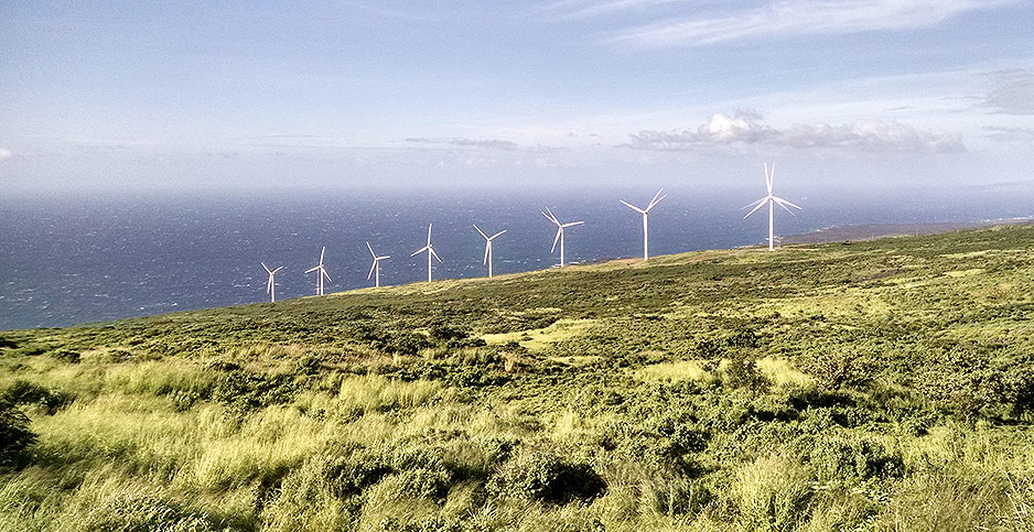 Hawaii wind turbines. Photo credit: Mark Doliner/Flickr