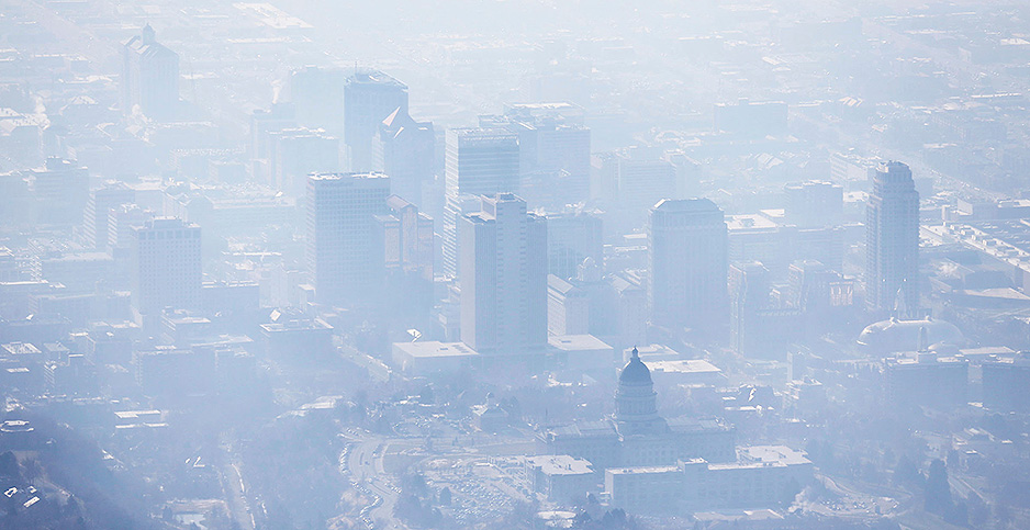Smog covers Salt Lake City, Utah, in January 2017. Photo credit: Ravell Call/The Deseret News/Associated Press