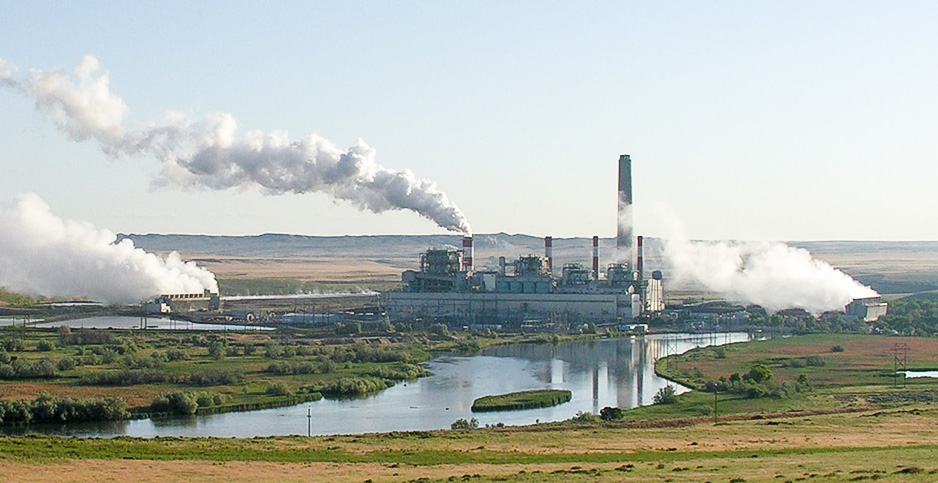 The Dave Johnson coal-fired power plant in central Wyoming. Photo credit: Greg Goebel/Flickr