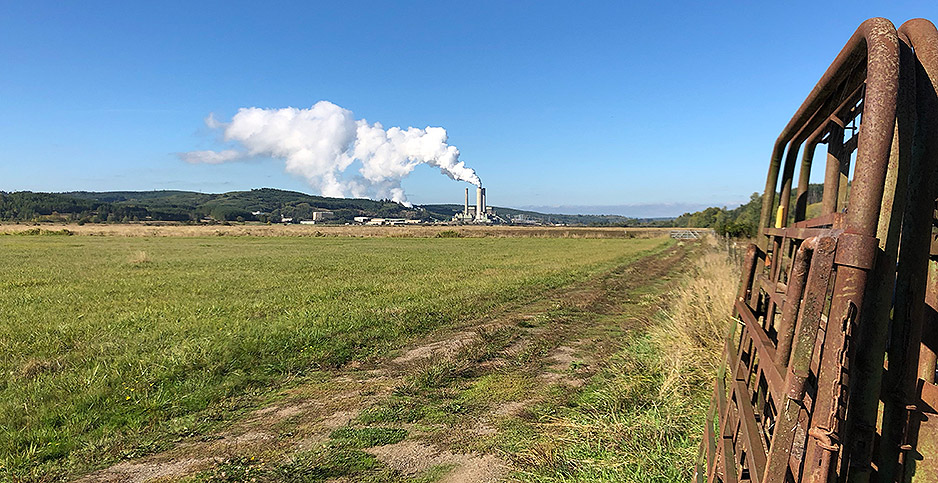 TransAlta Corp.'s Centralia Coal Plant, seen from a distance. Photo credit: Ben Storrow/E&E News