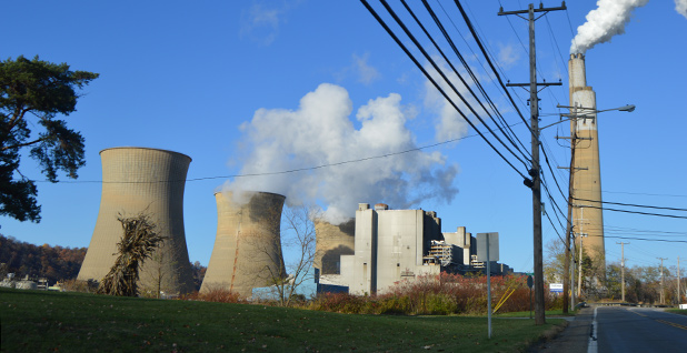 Bruce Mansfield Power Plant. Photo credit: Nyttend/Wikimedia Commons