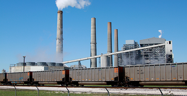 W A Parish Power Plant in Thompsons, Texas. Photo credit: Roy Luck/Flickr