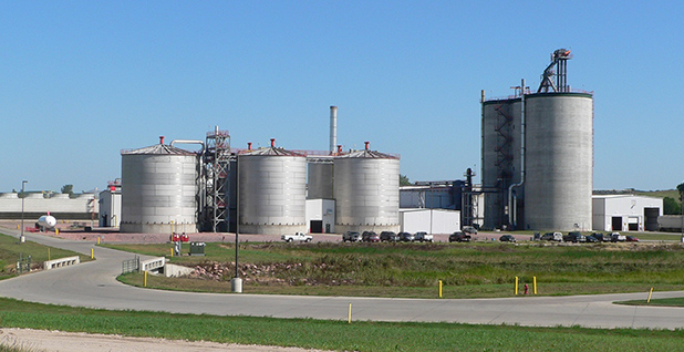 Ethanol plant. Photo credit: Ammodramus/Wikimedia Commons