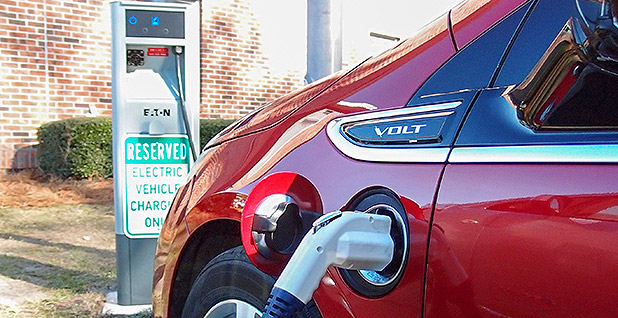 Electric vehicle car charging Photo credit: Myrtle Beach TheDigite/Flickr.