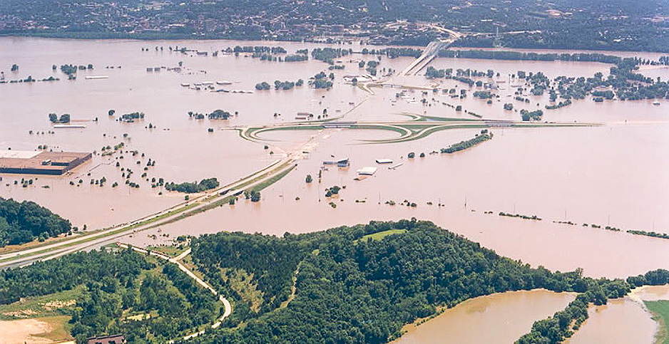 Jefferson City, Mo., during the Great Flood of 1993. Photo credit: USGS