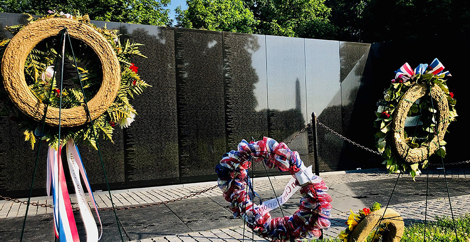 Wreaths at the Vietnam Veterans Memorial. Photo credit: Rob Hotakainen/E&E News