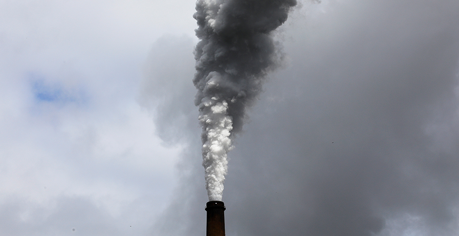 Smoke rising from smokestack. Photo credit: Brian Snyder/Reuters/Newscom