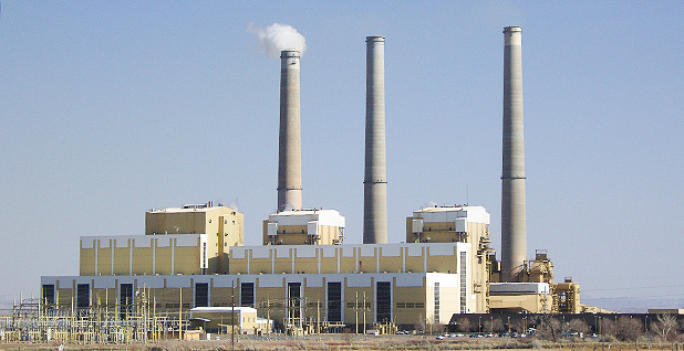 Hunter coal-fired power plant in central Utah. Photo credit: Tricia Simpson/Wikipedia