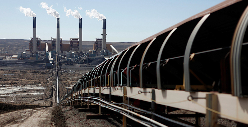Jim Bridger Power Plant. Photo credit: Jim Urquhart /Reuters/Newscom