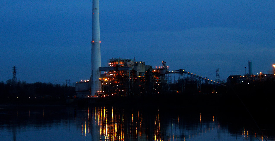 The Sibley coal plant when it was still operational. Photo credit: Gwen's River City Images/Flickr