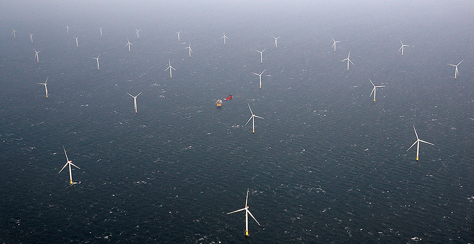 Ariel view of Statoil's Dudgeon offshore wind farm near Great Yarmouth, Britain. Photo credit: Darren Staples/REUTERS/Newscom