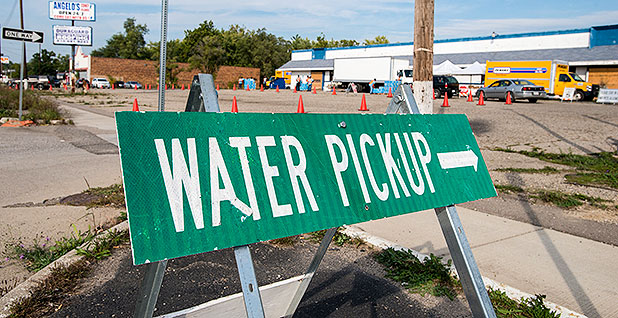 Water pickup sign in Flint, Mich. Photo credit: Lance Cheung/U.S. Department of Agriculture