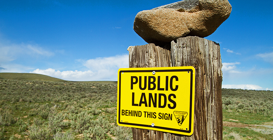 A Bureau of Land Management sign denotes public lands in Oregon. Photo credit: Bureau of Land Management Washington and Oregon/Flickr