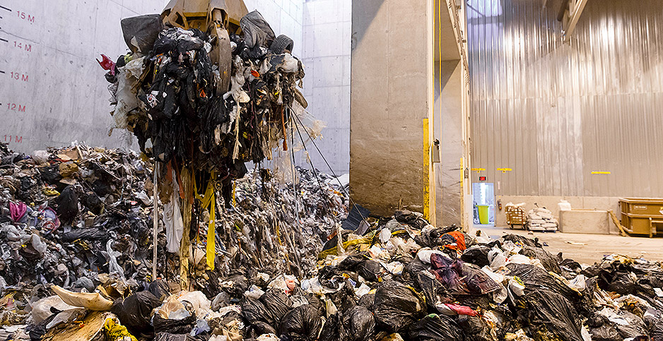 Landfill trash pile. Photo credit: Covanta Holding Corp.