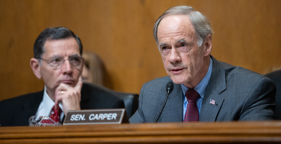 Sens. John Barrasso (R-Wyo.) and Tom Carper (D-Del.). Photo credit: Francis Chung/E&E News