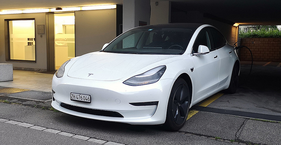 ELECTRIC VEHICLES: Tesla Model 3 outsells every car model ...