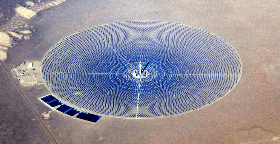 Solar thermal power project in Nevada. Photo credit: Amble/Wikimedia Commons