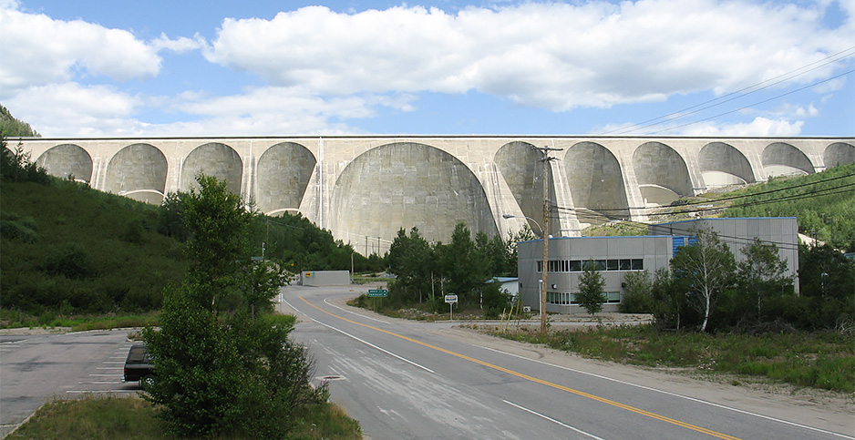 Daniel-Johnson Dam in Canada. Photo credit: Bouchecl/Flickr