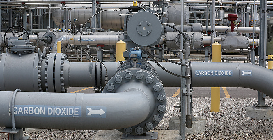 Pipes at Petra Nova carbon capture facility. Photo credit: Trish Badger/Reuters/Newscom