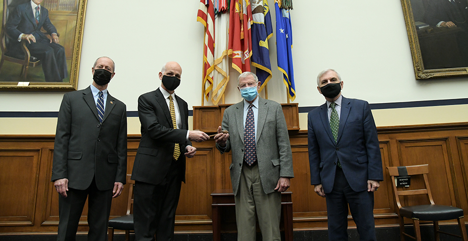 Reps. Mac Thornberry (R-Texas) and Adam Smith (D-Wash.), and Sens. James Inhofe (R-Okla.) and Jack Reed (D-R.I.). Photo credit: Senate Armed Services Committee