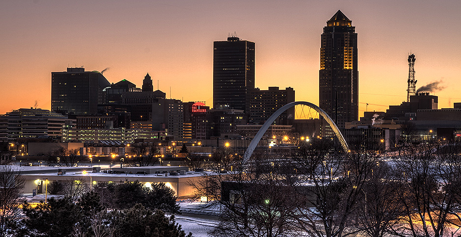 Des Moines at night. Photo credit: Jason Mrachina/Flickr