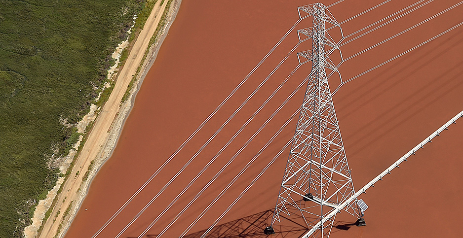 Transmission power line in Calif. Photo credit: Noah Berger/Reuters/Newscom