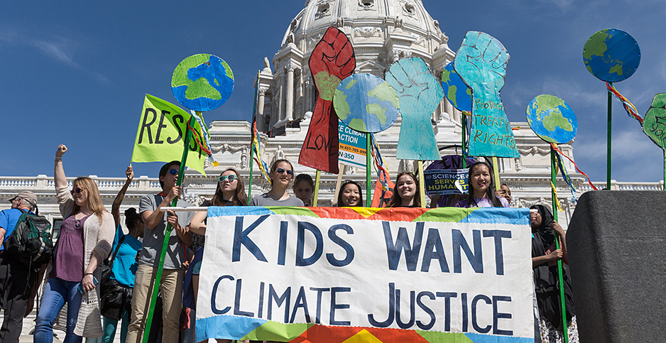 Climate activists rally outside the Minnesota State Capitol. Photo credit: Lorie Shaull/Flickr