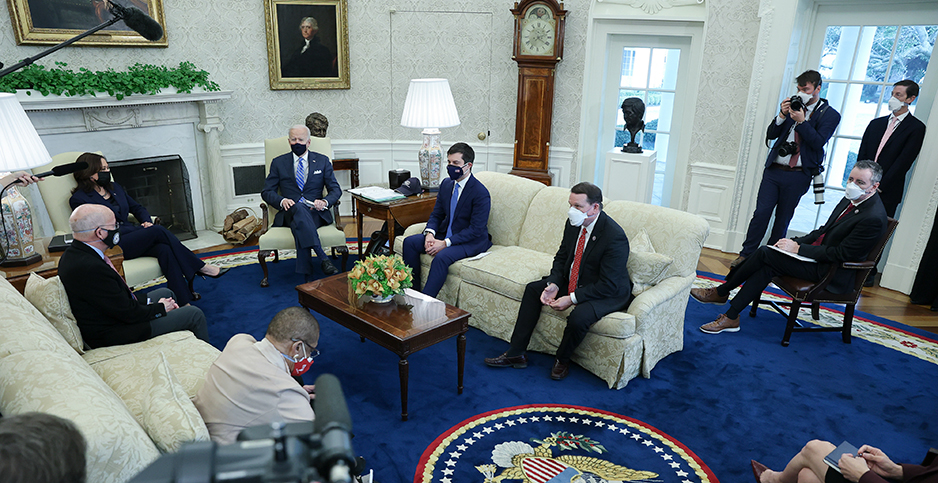 Oval Office meeting. Photo credit: Oliver Contreras/UPI/Newscom