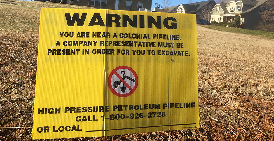 Pipeline warning sign in Charlotte, N.C., suburb. Photo credit: Mike Soraghan/E&E News