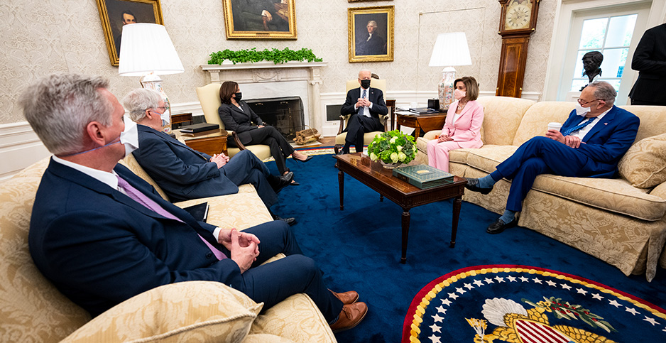 Oval Office meeting. Photo credit: Pool/Getty Images
