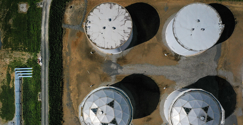 Colonial Pipeline fuel tanks in Washington, D.C. Photo credit: Drew Angerer/Getty Images